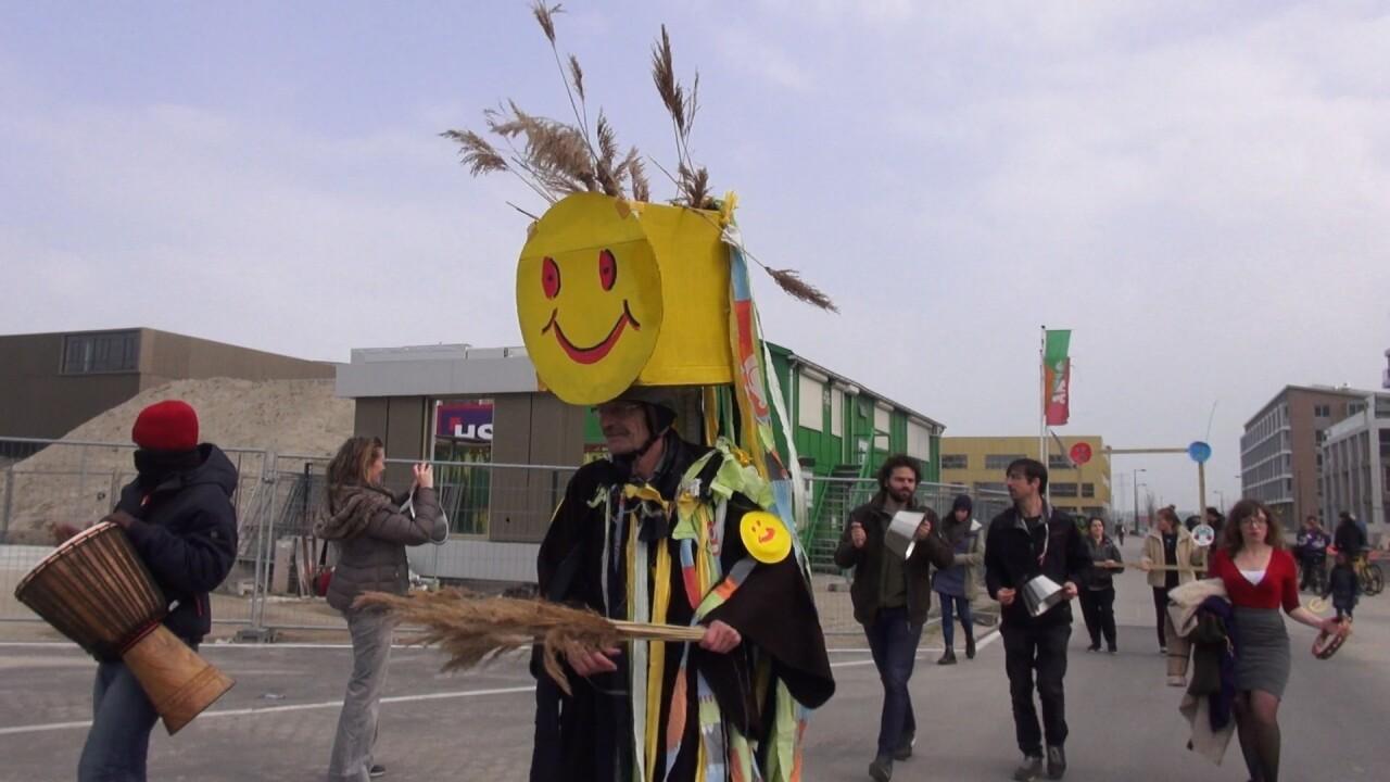 VIDEO: Sleutel van de Buurt feest op Zeeburgereiland