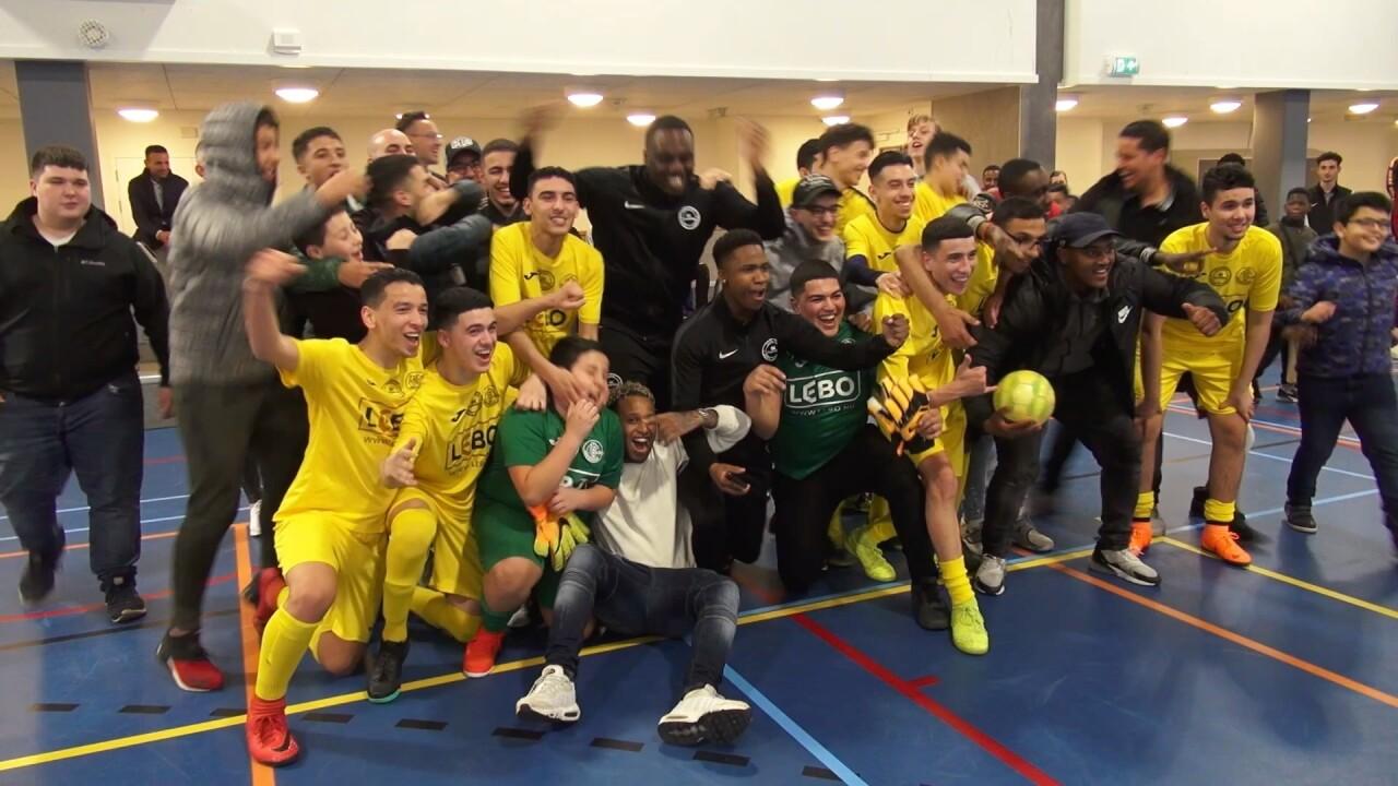 VIDEO: Voetbalteam van SK Coaching IJburg kampioen!