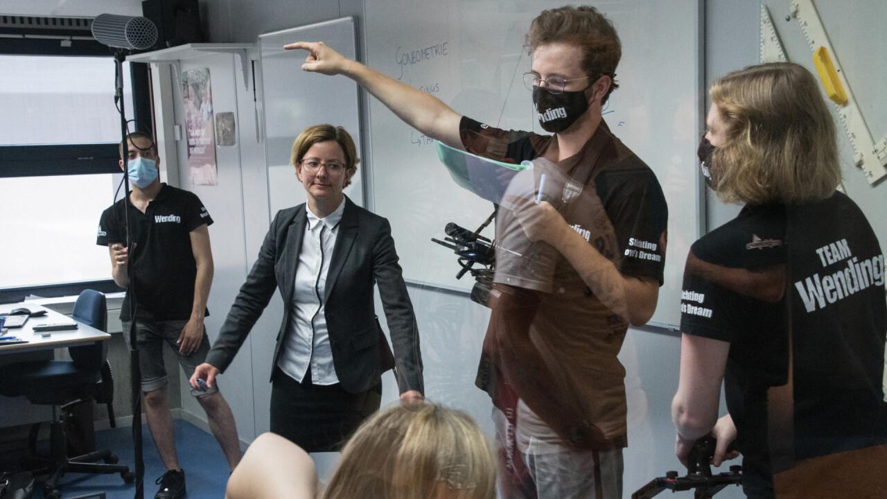 Jongeren maken zich op voor bijzondere première van film Wending in Amsterdam