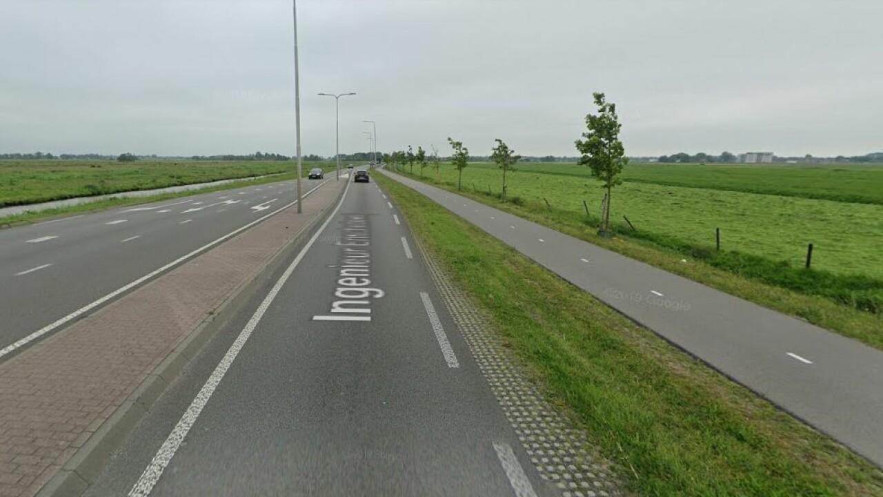 Twee ongelukken door tegels op N212 bij Wilnis